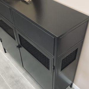 דגם טוטאל בלק שחור רשתות